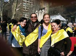 Natalie e le altre volontarie alla celebrazione della Giornata Internazionale della Donna a NY